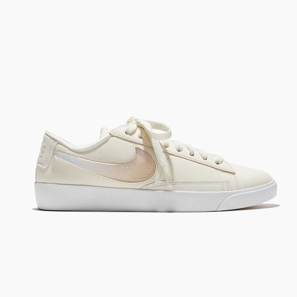 Nike Shoes - Nike Blazer Low LX